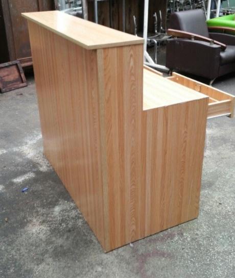 Quầy bar cafe gỗ đơn giản BQ07